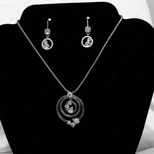 Jewelry - Silver & Crystal Necklace & Earring Set